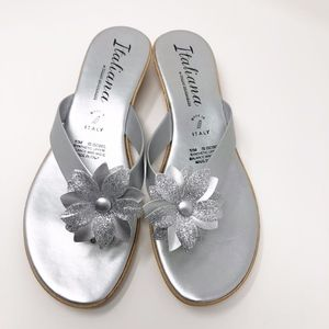 Italian Shoemakers Silver Flower Wedges Size 10M